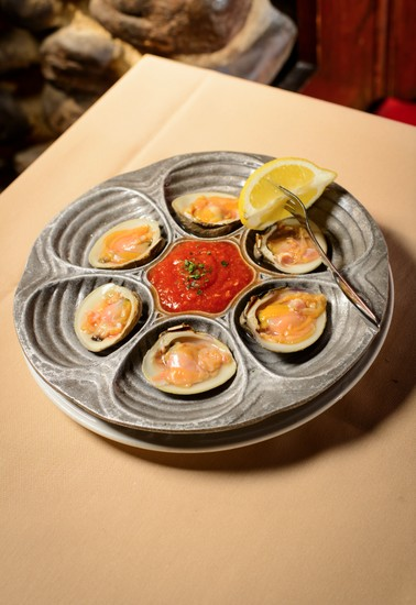 Half Shell Clams (half dozen) 1