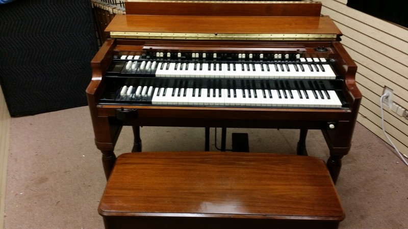 NOW IN OUR WAREHOUSE & AVAILABLE! A MINT CONDITION Vintage Hammond B3 Organ & Leslie Speaker Packaeg! A Mid 1960's Vintage B3! Plays & Sounds Great! Will Sell Fast! - Now Sold!-copy