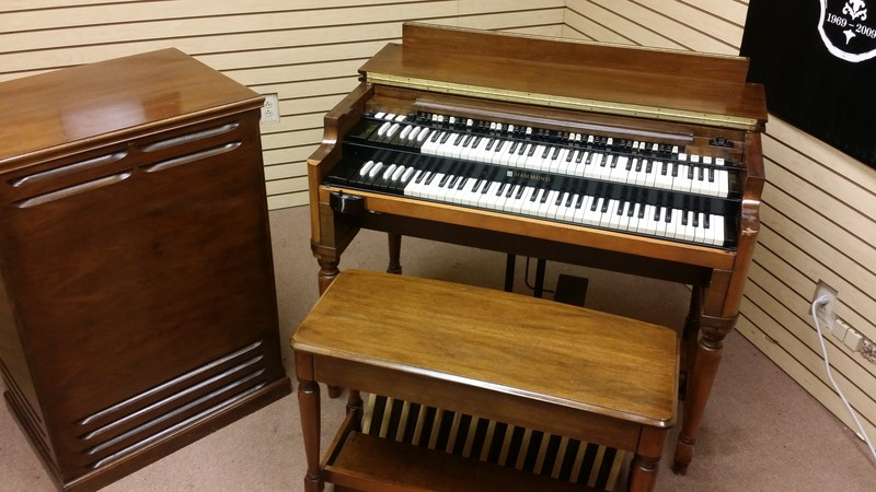 WILL SELL FAST!  Mint Condition Vintage Hammond B3 Organ Package! Includes A Vintage122 Leslie & PR-Hammond Tone Cabinet! Well Maintained! Will Sell Fast!  4/24/15 Now Sold!-copy