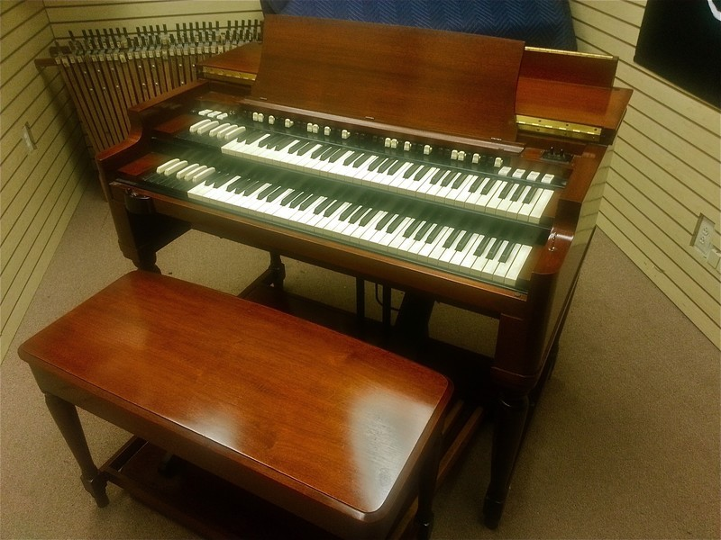 NOW IN OUR SHOWROOM! A MINT CONDITION 1959 Vintage Hammond B3 Organ - With The Original 22H Leslie Speaker! This Package Is A Great Buy & Value!  Will Sell Fast - Now Available!-copy