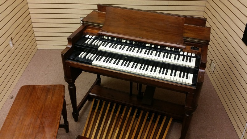 AFFORDABLE 70's Vintage Hammond B3 Organ & 122R Leslie Package.  The Perfect Package! In Good Condition, Includes a Trek II S/R. Plays & Sounds Great!!!!! - Will Sell Fast - 5/29/15 Now Sold!-copy