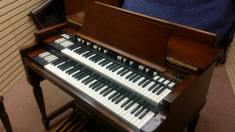 AFFORDABLE 70's Vintage Hammond B3 Organ & 122 Leslie Package.  The Perfect Package! In Beautiful Condition! Plays & Sounds Great!!!!! Will Sell Fast! - In Our Warehouse - Now Available!-copy