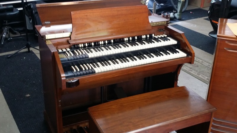 NEW ARRIVAL!  Mint Vintage Hammond C3 Organ & 122 Leslie Speaker ! A Great Buy & Great Value!  Will Sell Fast! Play & Sound Great!  Mint Condition! - Now Available!