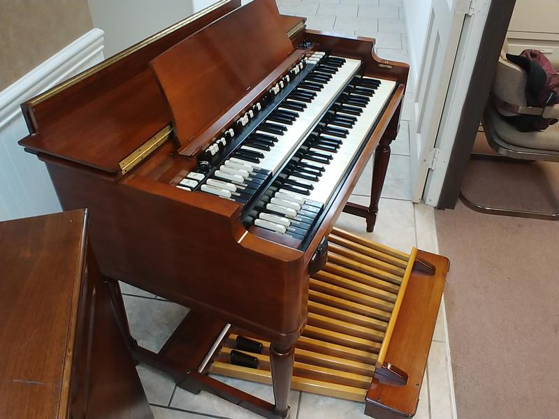 NEW ARRIVAL- Beautiful Vintage  70's Hammond B3 Organ-Original Bench & Pedals & Leslie Speaker-Excellent Condition, Plays & Sounds Great, Will Sell Fast-Now Sold!-copy