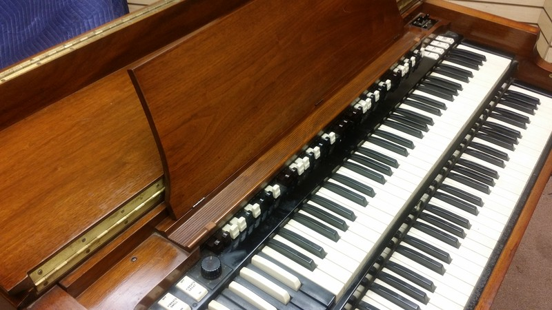 AFFORDABLE!!! WILL SELL FAST! NOW AVAILABLE! A 1960's Vintage Hammond B3 Organ & Leslie Speaker Package.  In Good Condition! Plays & Sounds Great!!!!! - Will Sell Fast - Now Available!