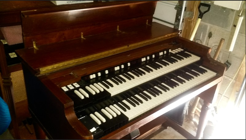 WAREHOUSE SPECIAL NOW AVAILABLE! Affordable 1960's Vintage Hammond B3 Organ & 122 Leslie Speaker Package! Plays & Sounds Great Will Sell Fast! - Now Available!