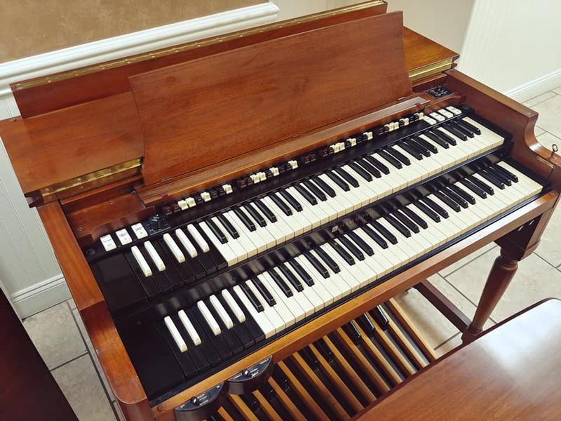 New Arrival-The Holy Grail-A PRISTINE Vintage Early 70's Hammond B3 Organ & 122 Leslie-A Perfect B3 Package-Plays & Sounds Great! Will Sell Fast! Now Sold!-copy