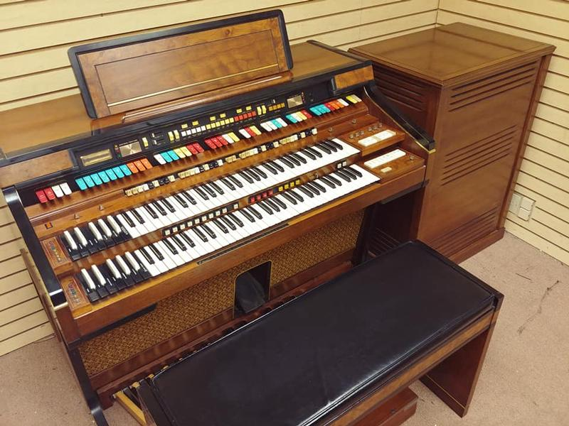 New Arrival-A Pristine Elegante Organ & 760 Leslie Package! Great Value & Great Buy! Plays & Sounds Great! Will Sell Fast! Now Available!