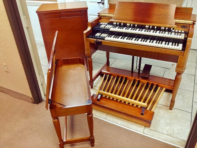 New Arrival-A Beautiful Vintage Hammond B3 Organ & Leslie Package-Great Value & Great Buy! Plays & Sounds Great! Will Sell Fast! Now Available!