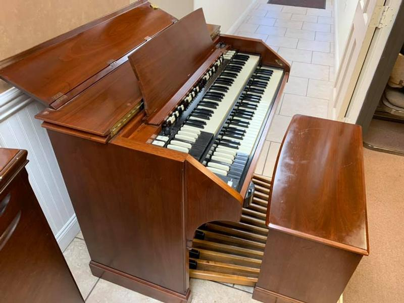New Arrival-A Pristine Beautiful Vintage Hammond C3 Organ & 122 Leslie With Original Bench & Pedal Board. Plays & Sounds Great & Sounds Great! Will Sell Fast-Now Available!