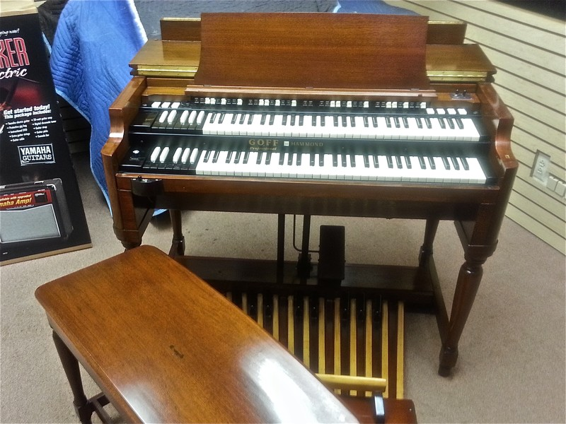 1974 Mint Condition Vintage Hammond B3 Organ & 122 Leslie Speaker! This B3 Pkge Organ Is a