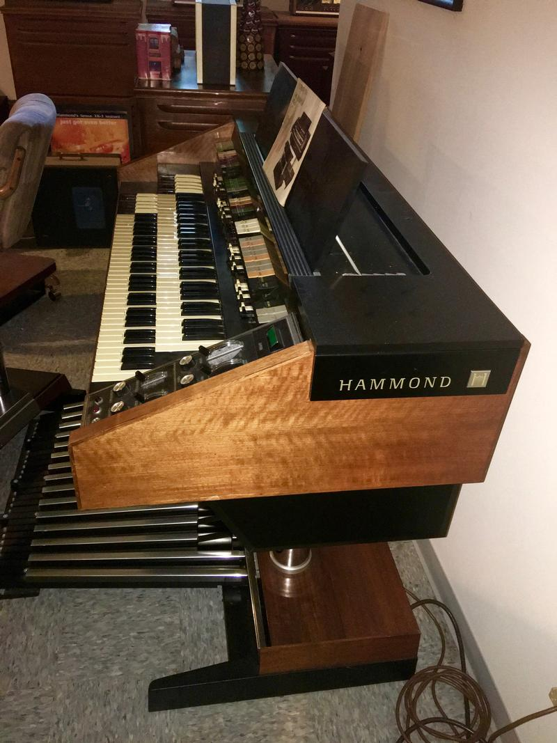 Hammond - BEAUTIFUL HAMMOND X66 ORGAN & ORIGINAL Matching