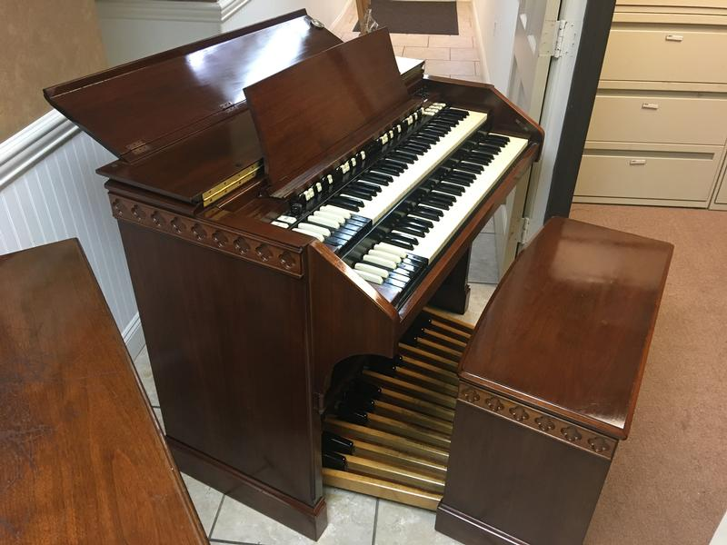 NEW ARRIVAL- NOW IN OUR SHOWROOM! A GORGEOUS VINTAGE HAMMOND C3 ORGAN & Original Matching 122RV Leslie Speaker - Will Sell Fast! A Great Value! Plays, Sounds Perfect! - Available!-copy