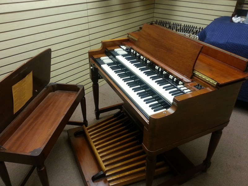A MINT CONDITION 1959 Vintage Hammond B3 Organ - With The Original 22H Leslie Speaker! This Package Is A Great Buy & Value!  Gorgeous & Will Sell Fast - Ready For Shipping - 1/7/13 Now Sold!-copy