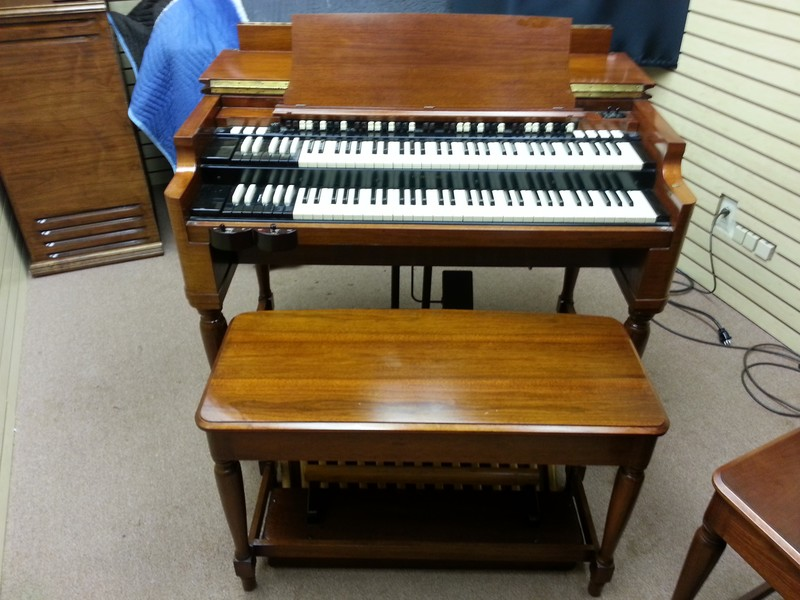Smoking Mint Condition Classic Vintage Hammond B3 Organ & 122 Leslie Speaker & Hammond Speaker Cabenit! This Organ Is