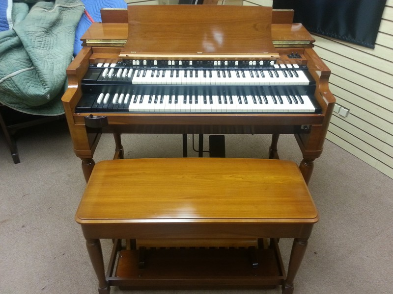 Showroom New! A Pristine Perfect 1963 Vintage Hammond B3 Organ & 22H Leslie Speaker & Spring Reverb! Will Sell Fast!  Now Available!