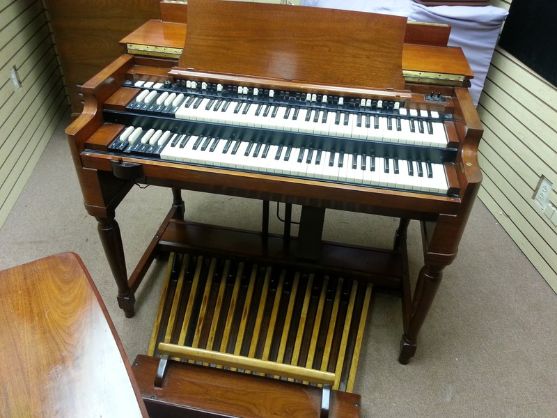 A MINT CONDITION 1959 Vintage Hammond B3 Organ & 22H Leslie Speaker! This Package Is A Great Buy & Value!  Will Sell Fast - Now Available!
