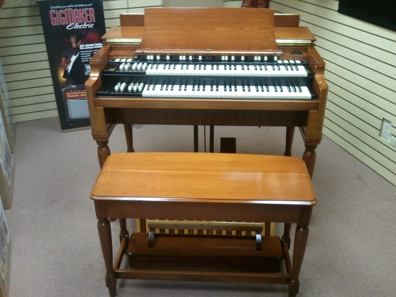 EXCEPTIONAL! Just In - Pristine Condition Classic 1970's Vintage Hammond B3 Organ & Mint Condition  122 Leslie Speaker!  - Exceptional B3 Organ PKG! Will Sell Fast! 2/22/13 Now Sold !-copy