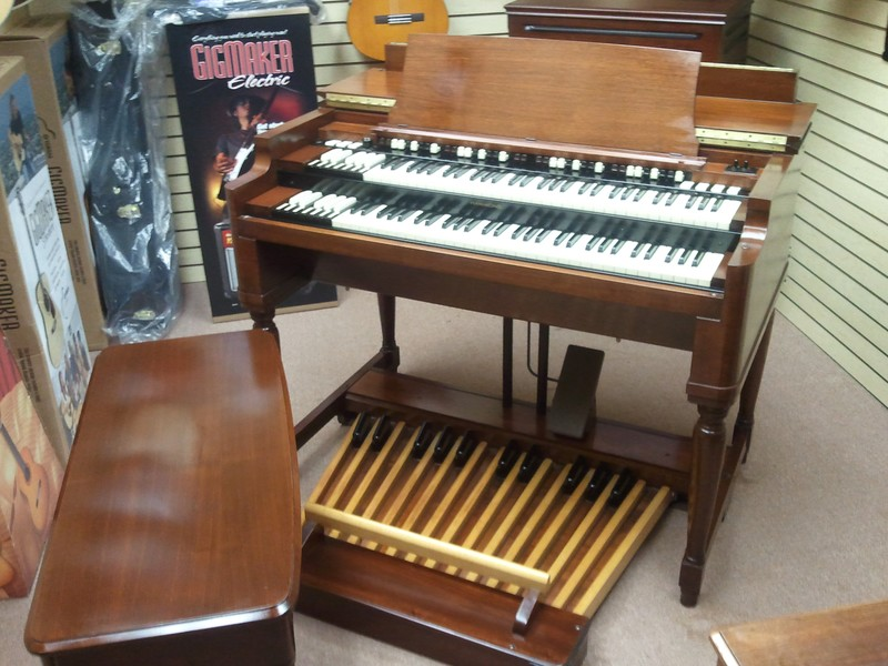 Pristine Vintage B3 Organ & Mint Condition 971 Leslie & PR-20 Package!  Available!