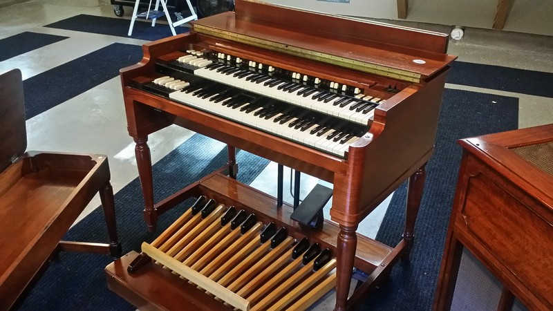 MINT VINTAGE B3 PKG!  Beautiful Vintage Hammond B3 Organ & Leslie Speaker Package & Extremely Well Maintained Plays & Sounds Great - A Great Buy! Will Sell Fast! - Now Available!