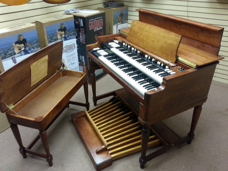GORGEOUS! Just In - Mint Condition Classic Vintage 1960's Hammond B3 Organ & 122 Leslie Speaker!  - Now Available!