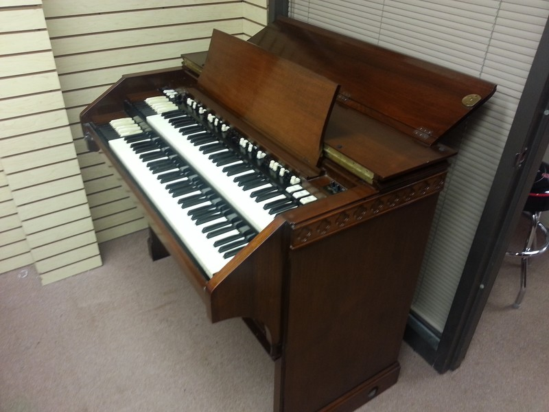 PRISTINE LIKE NEW!  A Beautiful 1964 Vintage Hammond C3 Organ & 147R Leslie!  GORGEOUS! Will Sell Fast! - Now Available!-copy