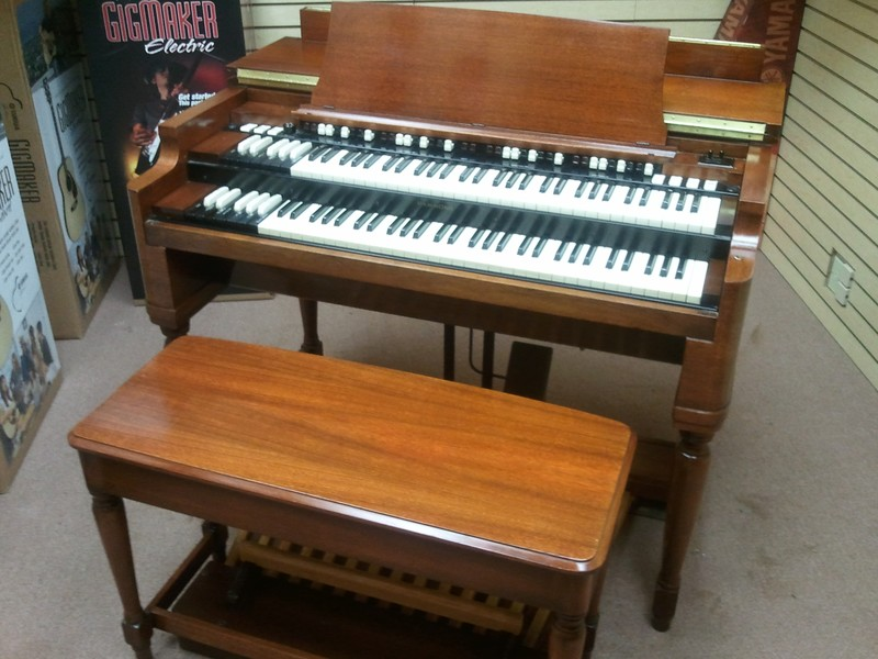Mint  Condition Classic Vintage 1957 Hammond B3 Organ & 22R Vintage Leslie Speaker - A Great B3 Package - Available!