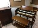 NEW ARRIVAL- NOW IN OUR SHOWROOM! A GORGEOUS VINTAGE HAMMOND B3 ORGAN & Original Matching 122 Leslie Speaker - Will Sell Fast! A Great Value! Plays, Sounds Perfect! - Now Available!