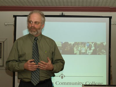 Dr. Matthew Connell, Dean of Northampton Community College's Monroe Campus presents to the Leadership Pocono Class of 2008