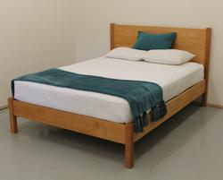 PACIFIC RIM PLATFORM CASCADE BED MAPLE TWIN