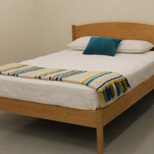 PACIFIC RIM PLATFORM RAINER BED MAPLE TWIN