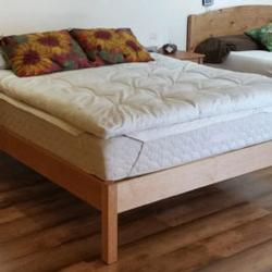 PACIFIC RIM PLATFORM COLUMBIA BED CHERRY FULL QUEEN