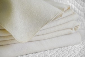 MATTRESS PAD  WOOL MOISTURE PROTECTION